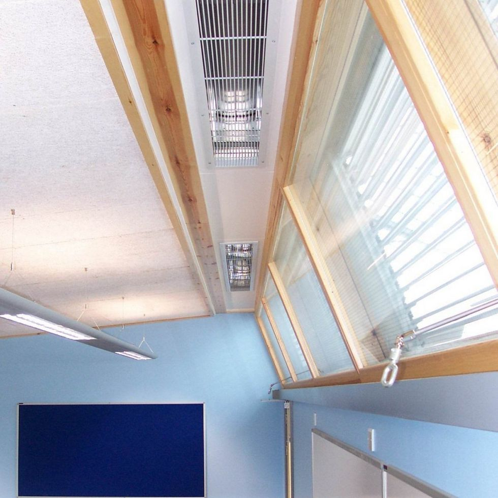 Science Laboratory: back lighting and cross ventilation through adjoining corridor
